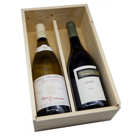 2 vinos de prestigio en un armario de madera